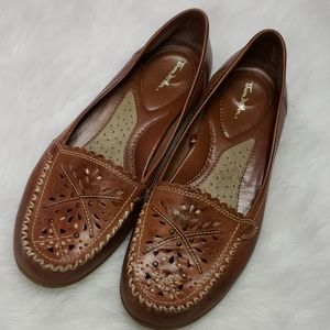 Thom mcan leather loafers woman size 9 W